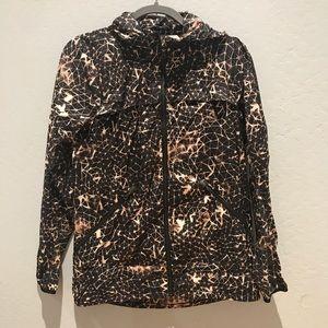 Lululemon light rain jacket
